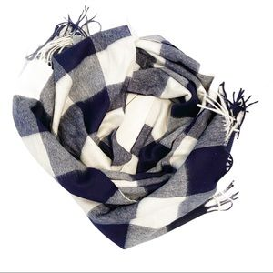 Warm white and blue checkered blanket scarf